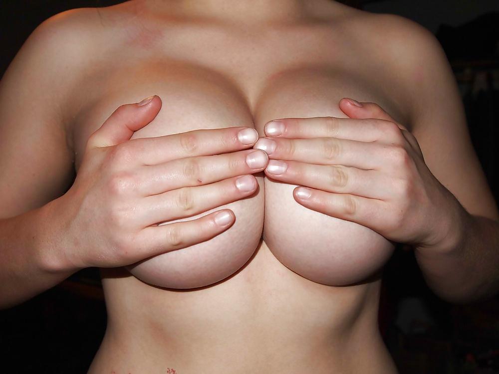 Domina, Lederkleiden in Nacktbildern kostenlos