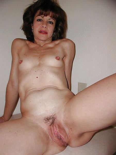 Amateure Hausfrauen mit kleine brüsten in gratis Fotos
