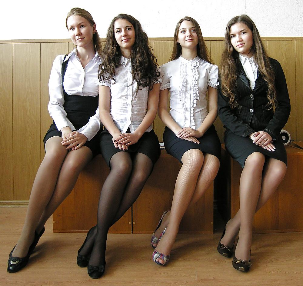 Junge Küken zwischen 18-19 Jahr in Gratisbildern