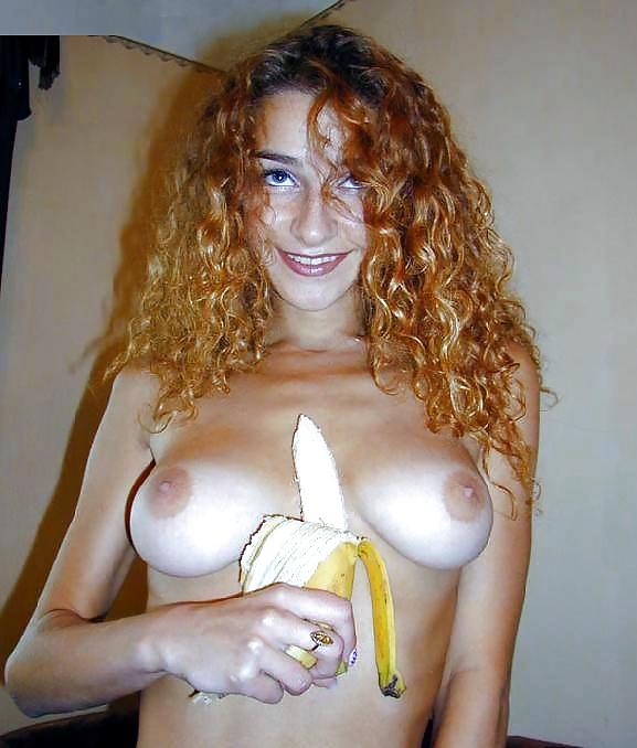 Kleine, große, älte, und rote Mädchen in Sexfotos