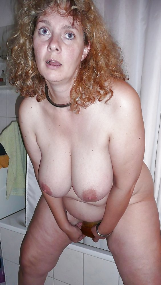 Riesige jugendliche Titten in Aktfotos