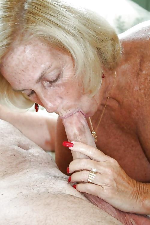 Oral sex von alter und jugenliche Ludern in Gratis Bildern